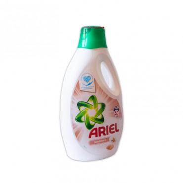 Detergent lichid Ariel Sensitive 40 spalari 2.6l